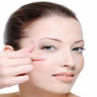 Tips to get rid from Crows feet, Crows feet